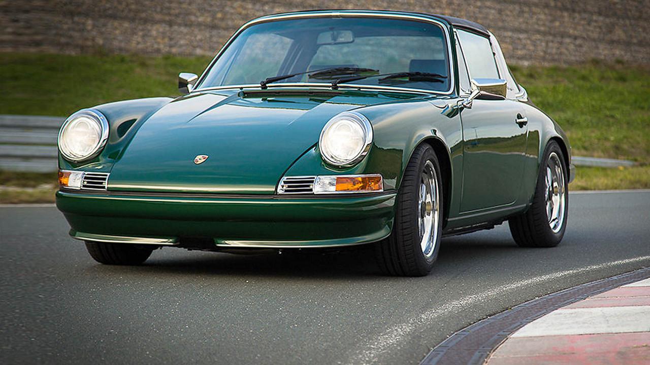 Porsche 911 Manus