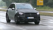 2019 Mercedes GLE dashboard in spy video