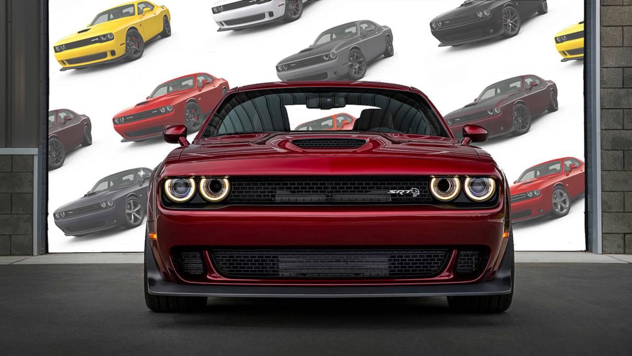 Dodge Challenger Lead