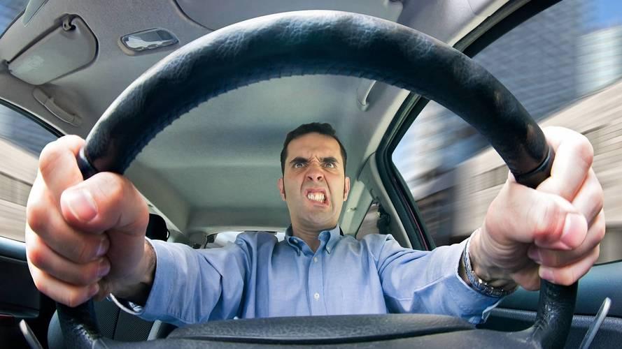 Aggressività in auto, ecco perché scatta