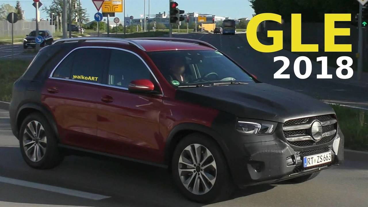 2019 Mercedes GLE with less camo screenshot from spy video