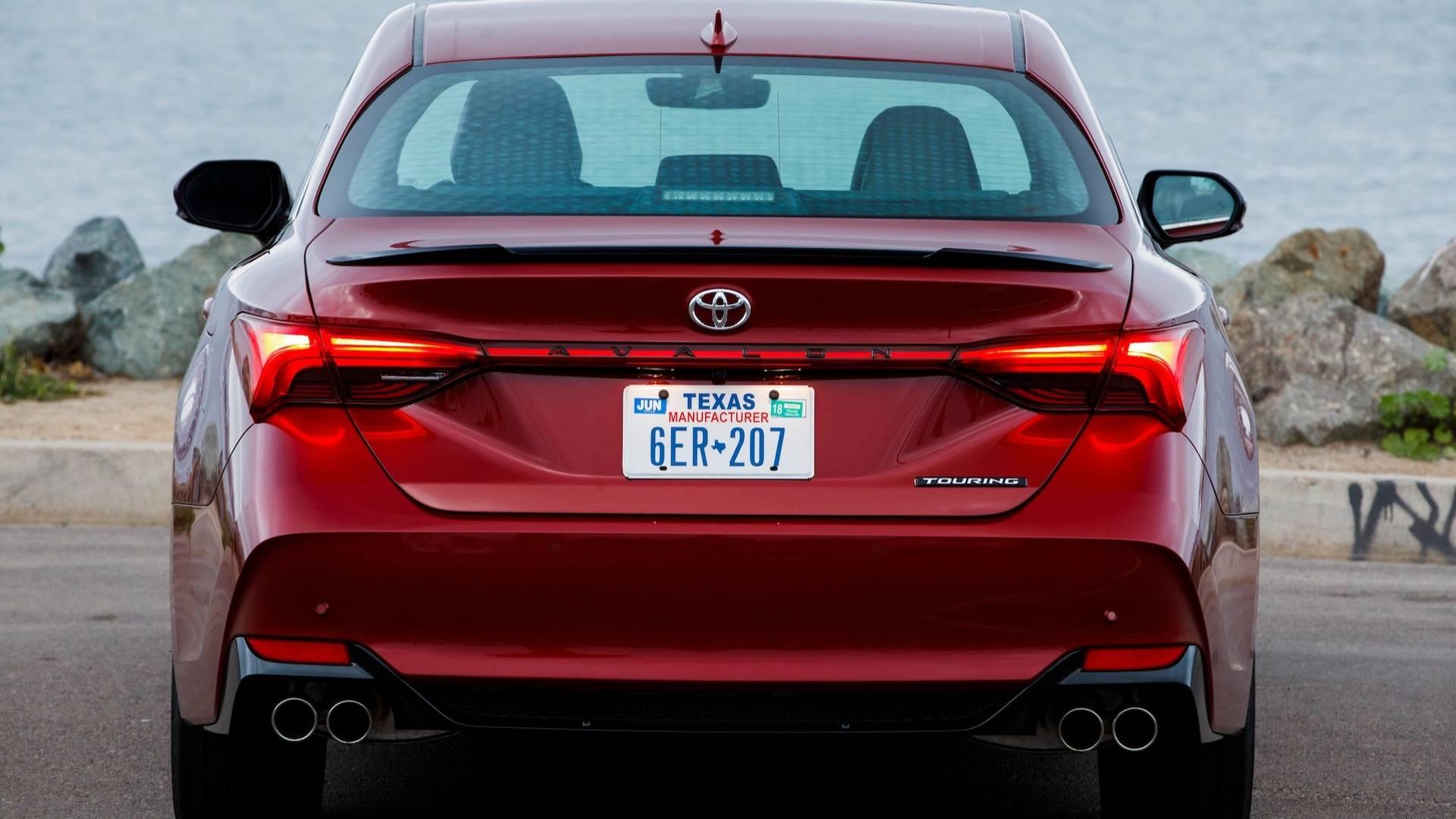 2019 Toyota Avalon Starts At 35 500 Hybrid Priced At 36 500