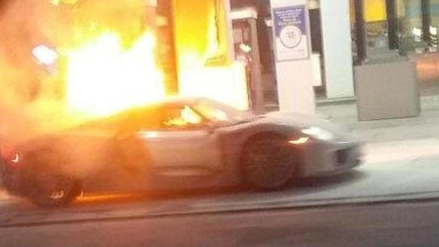 Porsche 918 Spyder devoured by heavy fire at gas station [video]