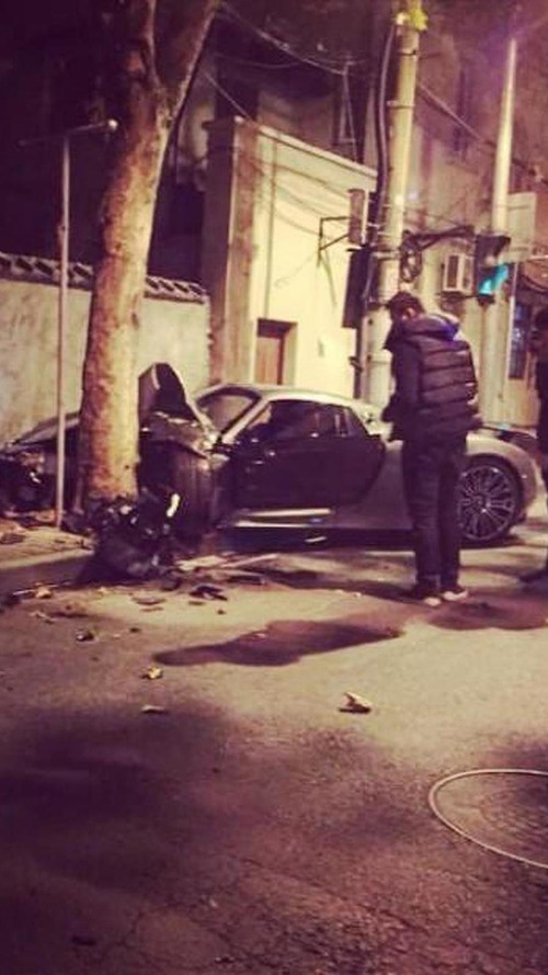 Porsche 918 Spyder wrecked in China