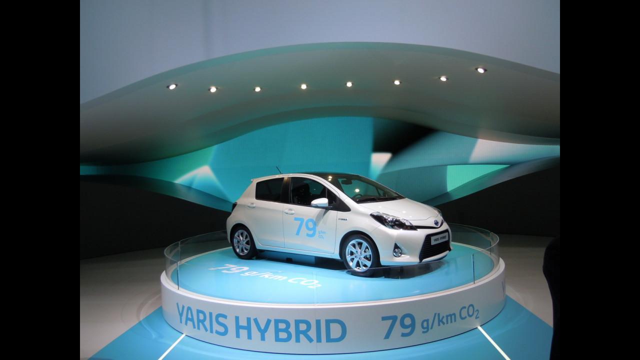 Toyota Yaris ibrida, a Ginevra parla di sé