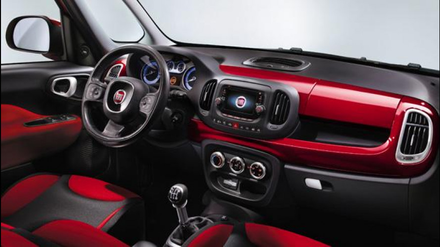 Fiat 500L, le prime foto degli interni
