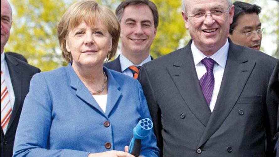 Angela Merkel crede ancora nell'auto elettrica