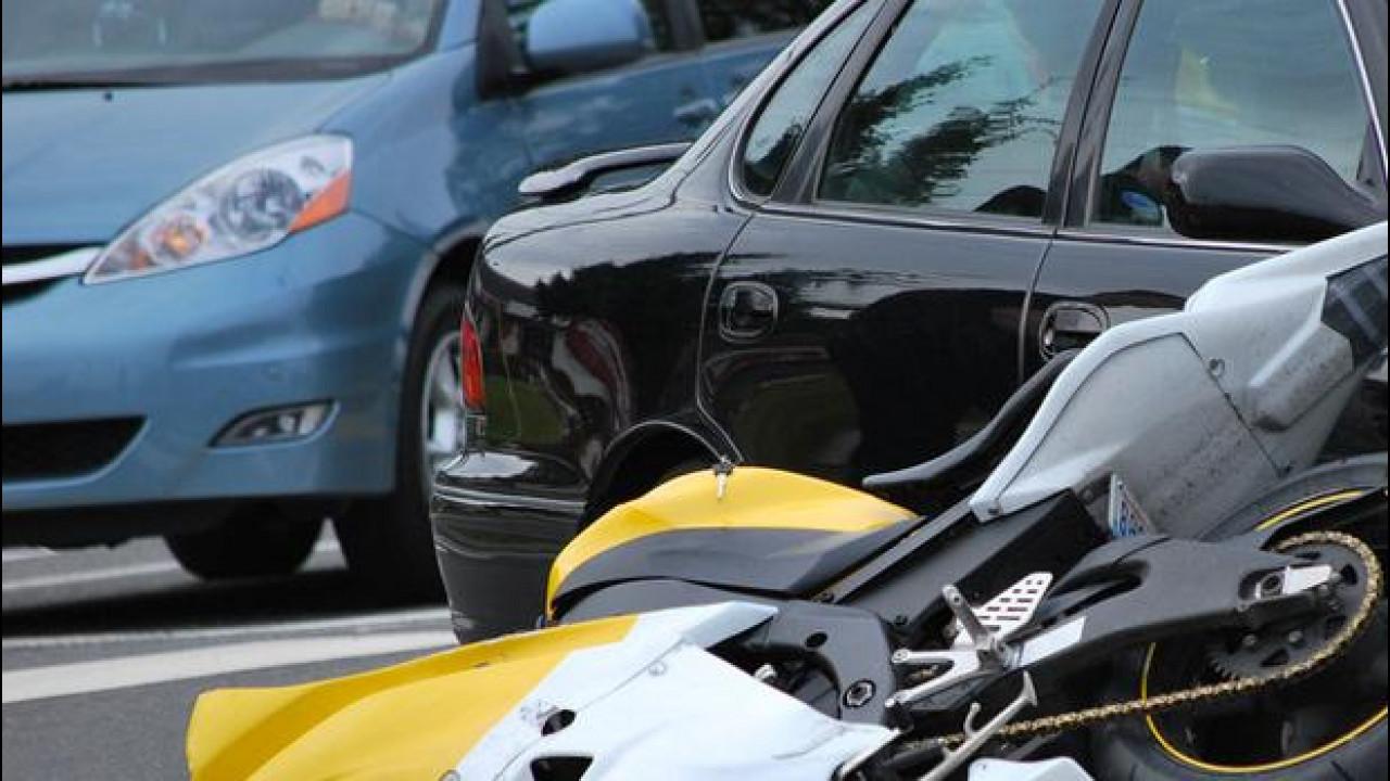 [Copertina] - Incidenti stradali, ancora troppe vittime