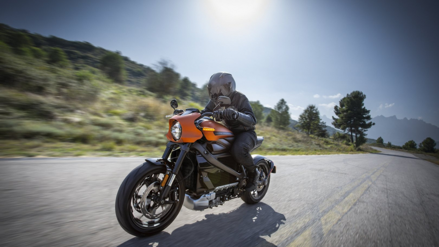 Harley-Davidson: una rete di colonnine elettriche per la LiveWire