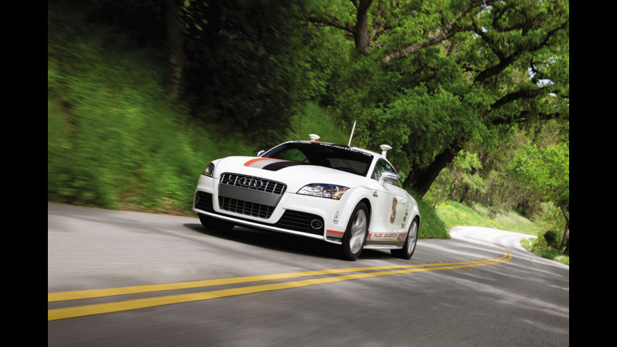 L'Audi TTS robot affronta la Pikes Peak
