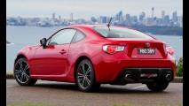 Com conversível incerto, Toyota planeja agora GT 86 sedã