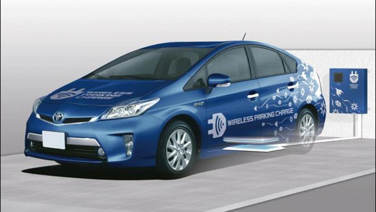 [Copertina] - Toyota Prius Plug-in, la ricarica è senza fili