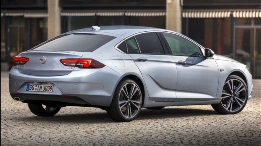 """Nuova Opel Insignia, ecco com'è """"dimagrita"""""""