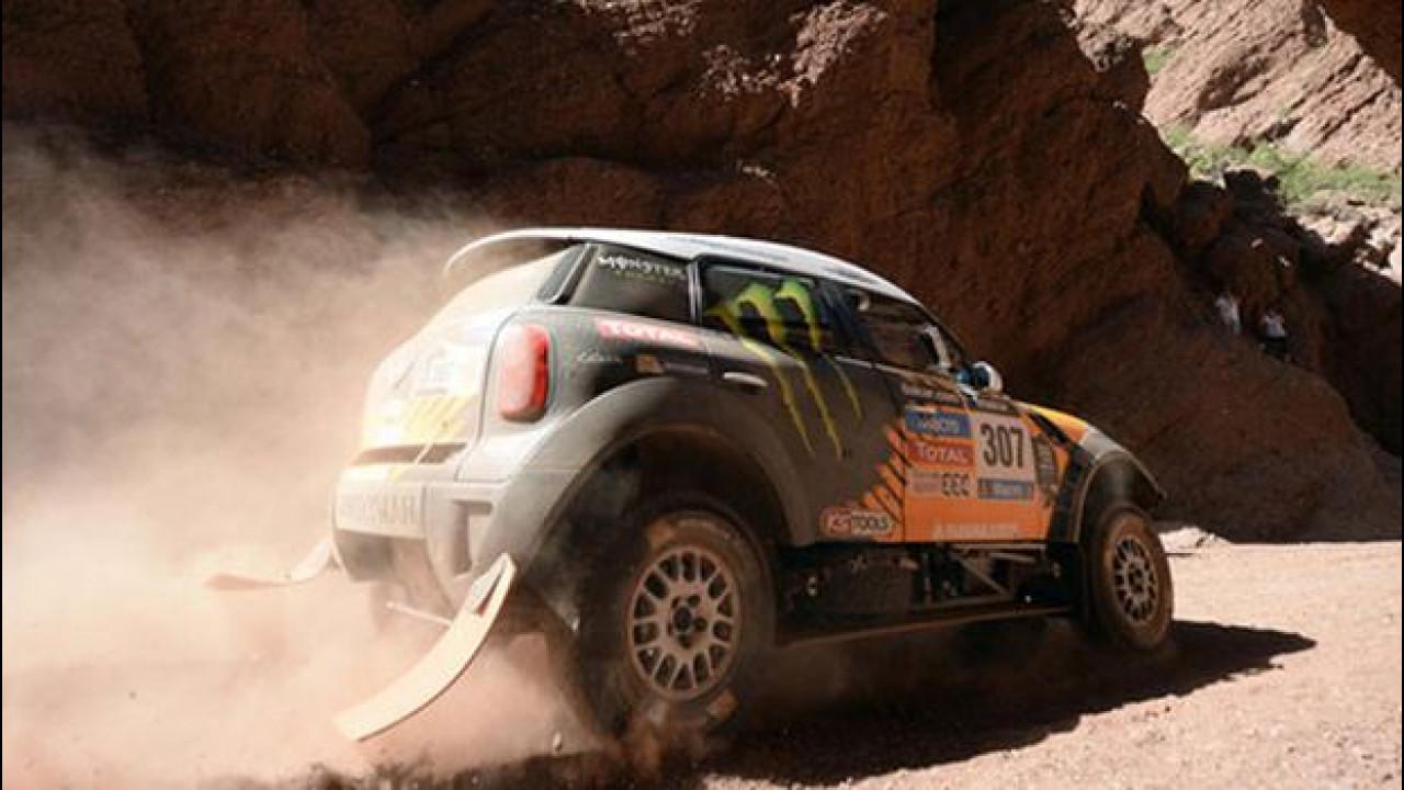 [Copertina] - Dakar 2014, tappa 6: al comando resta un terzetto di MINI