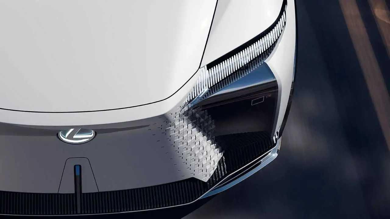 В 2022 году Lexus выпустит драйверский электрокроссовер