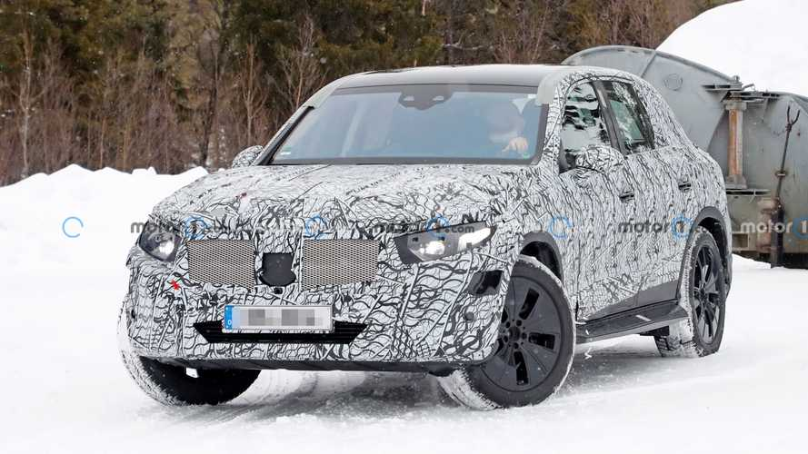 2022 Mercedes-Benz GLC spied playing in the snow