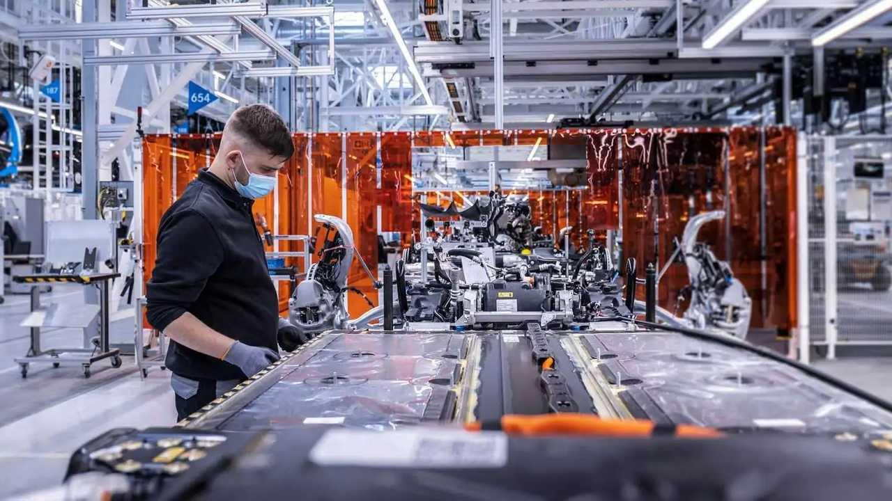 Mercedes-Benz EQS - produção