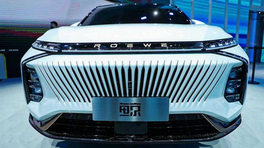 """Una curiosa """"auto-balena"""" al Salone di Shanghai"""