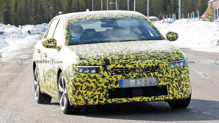 Novo Astra 2022 mesclará design alemão e mecânica francesa; veja flagra