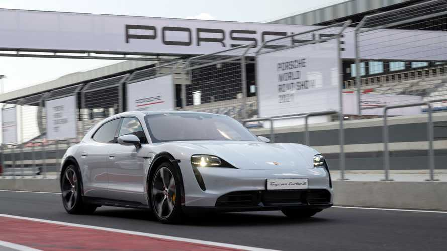 Porsche World Roadshow 2021 на трассе «Игора Драйв»