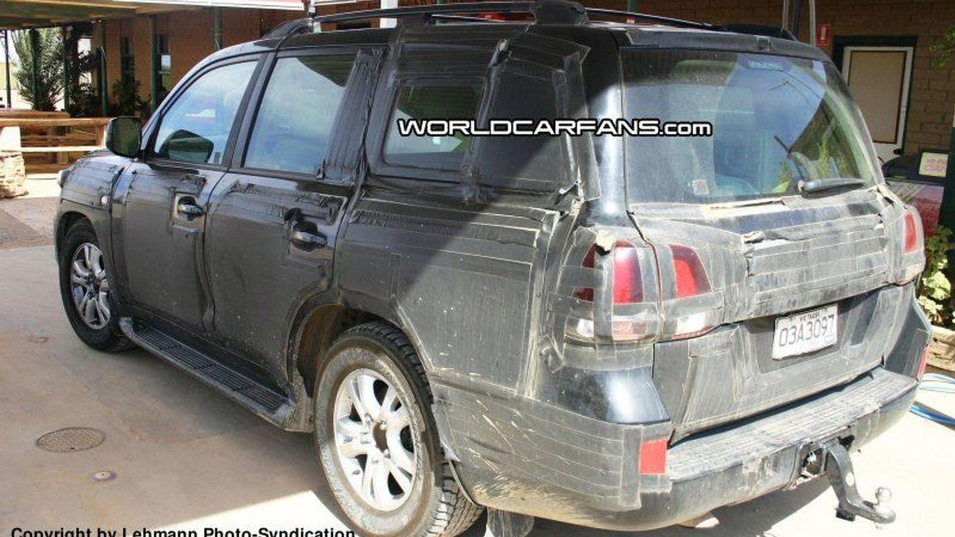 Spy Photos More New Toyota Landcruiser