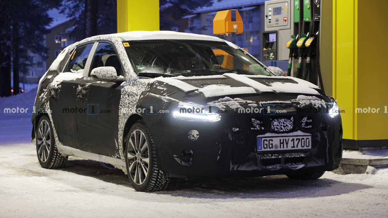 Hyundai i30 facelift new spy photos