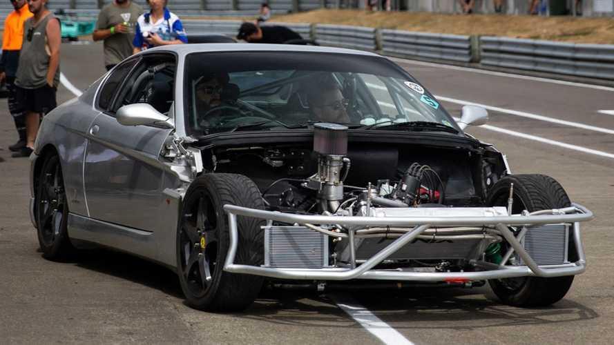 Videó: Wankel-motor egy Ferrariban? Egy új-zélandi férfi megcsinálta