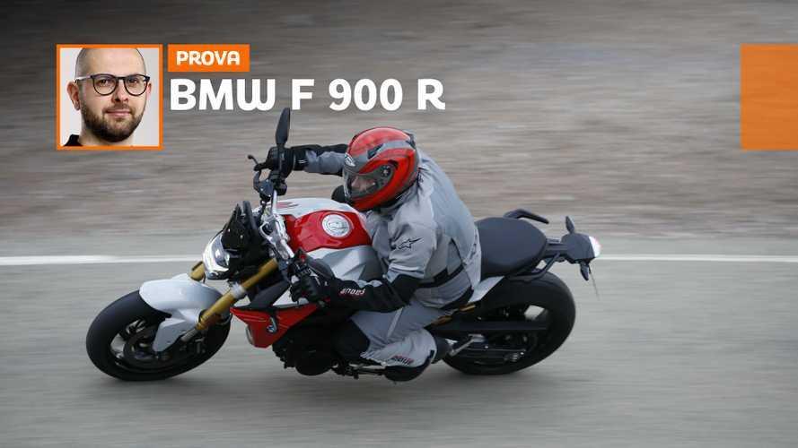 BMW F 900 R, la roadster media tedesca è tornata