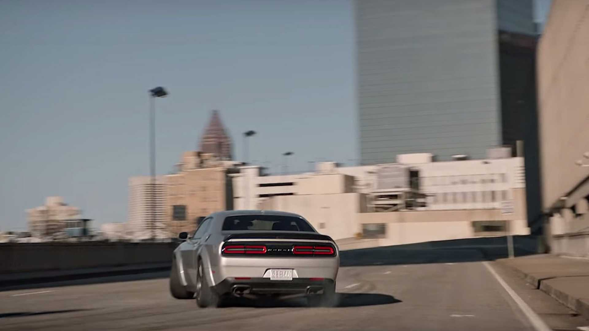 "[""Dodge Challenger SRT Hellcat Throwback Ad From Super Bowl 2018""]"
