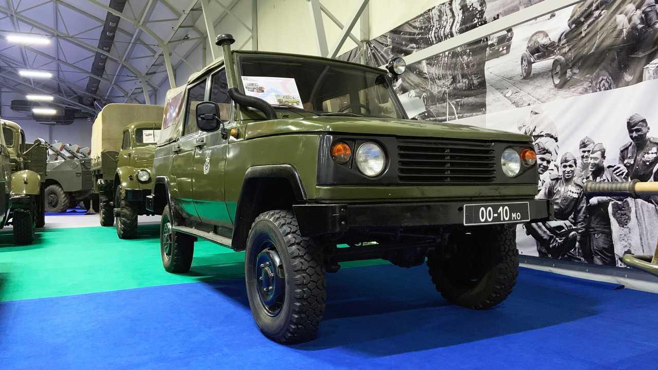 Vergessene Militärfahrzeuge der UdSSR: UAZ-3172 (Projekt