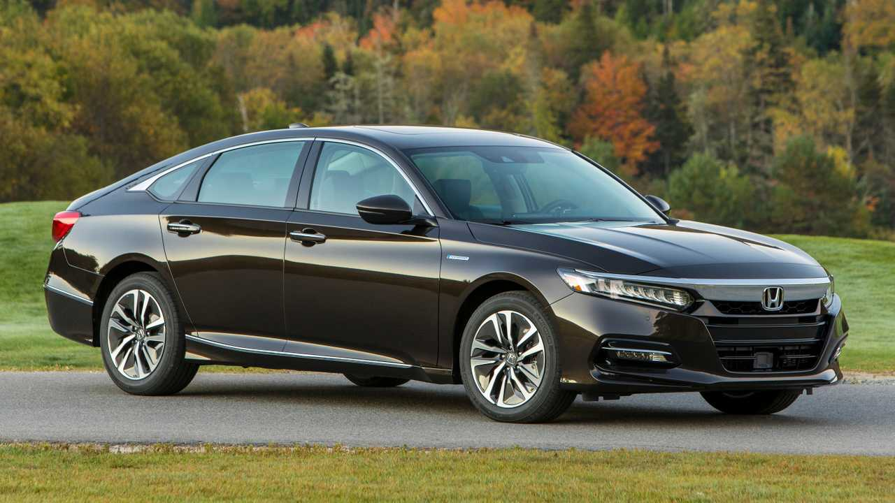 Honda Accord Hybrid: 2.0L I4 / Electric Motors