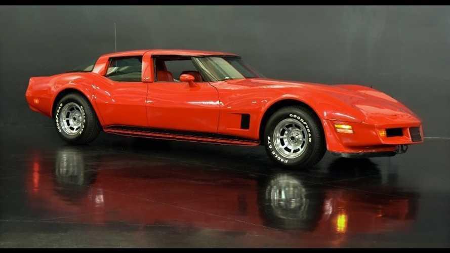 Extraño Chevrolet Corvette 1980 de cuatro puertas