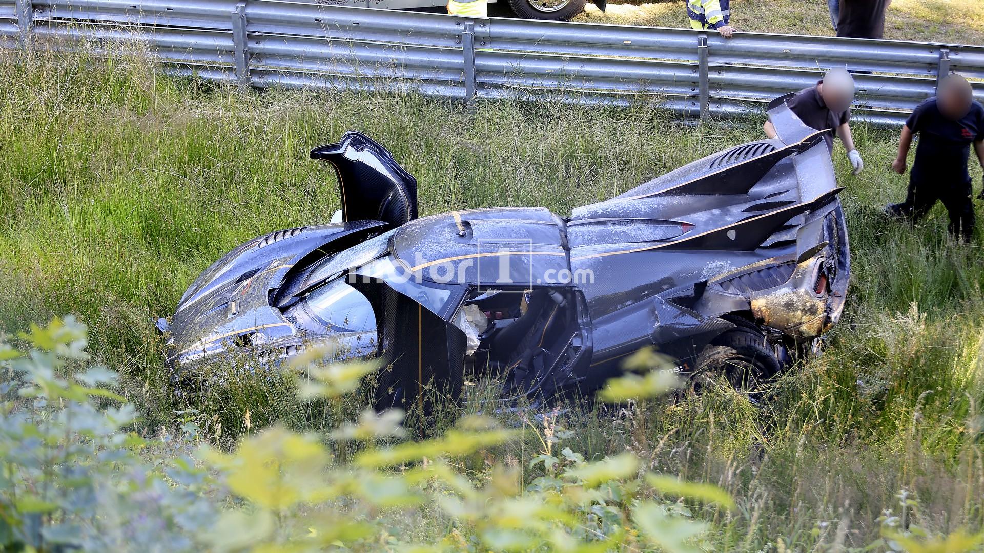 Koenigsegg One:1 crashes on the Nürburgring
