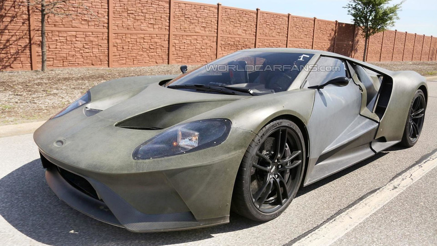2017 Ford GT spied up close and personal showing off bare carbon fiber body