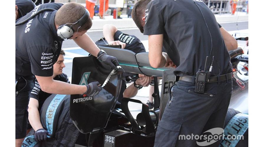 Mercedes AMG F1 W06 rear wing