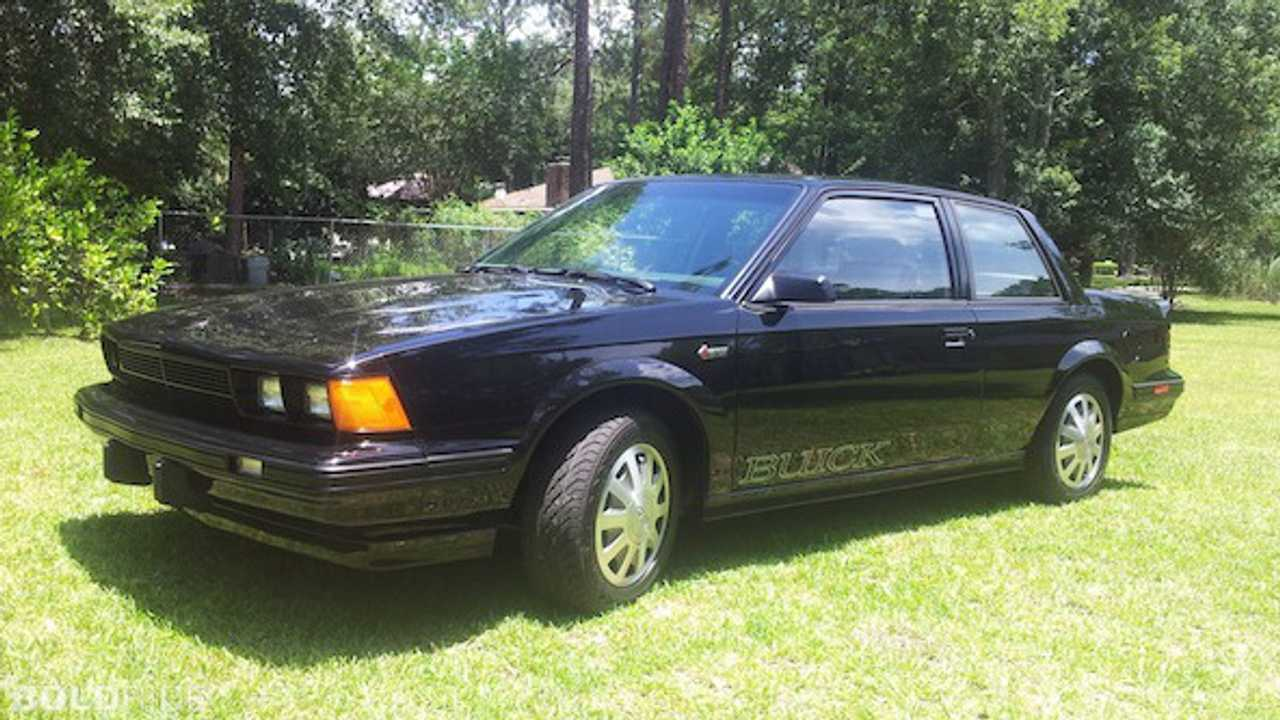 Buick Century (1982 – 1996); 8 engines, displacement from 2.2 to 4.3 liters