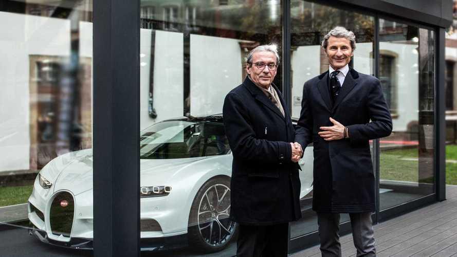 Bugatti expose une Chiron au marché de Noël de Strasbourg