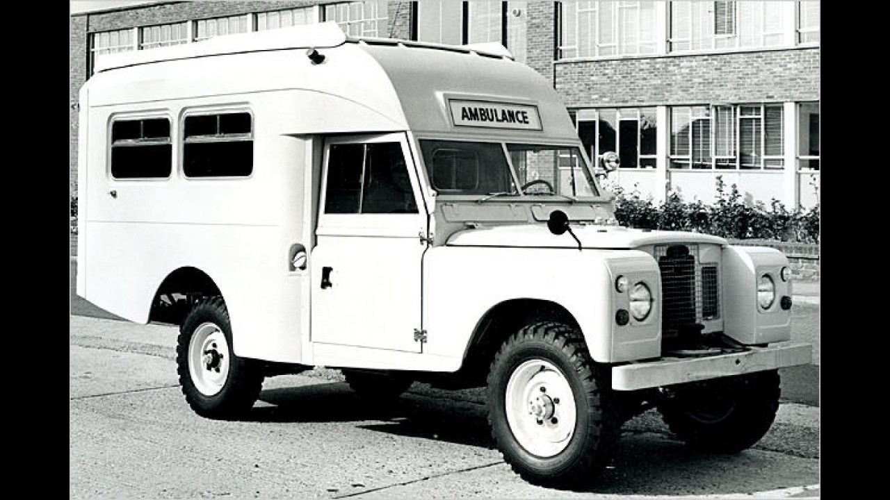 Land Rover Series II 109'' Ambulance Version