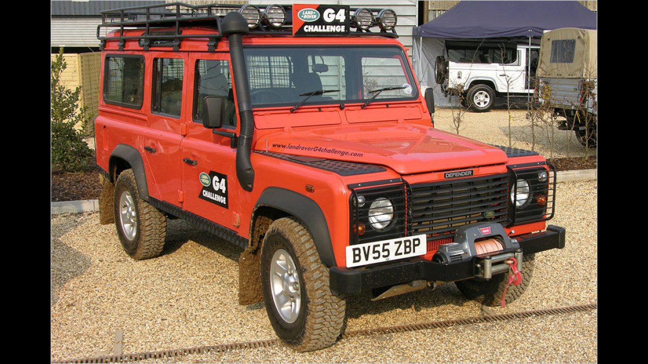 Land Rover G4 Challenge Defender 100''