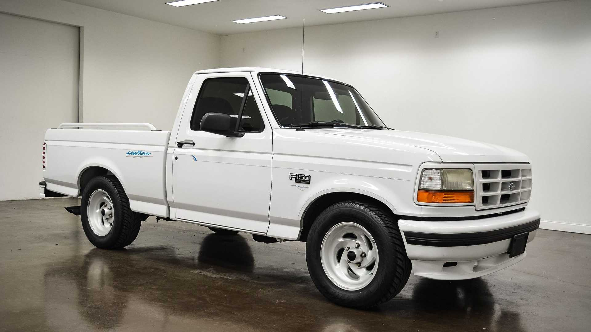 steal the show in this 1994 ford f 150 svt lightning motorious 1994 ford f 150 svt lightning