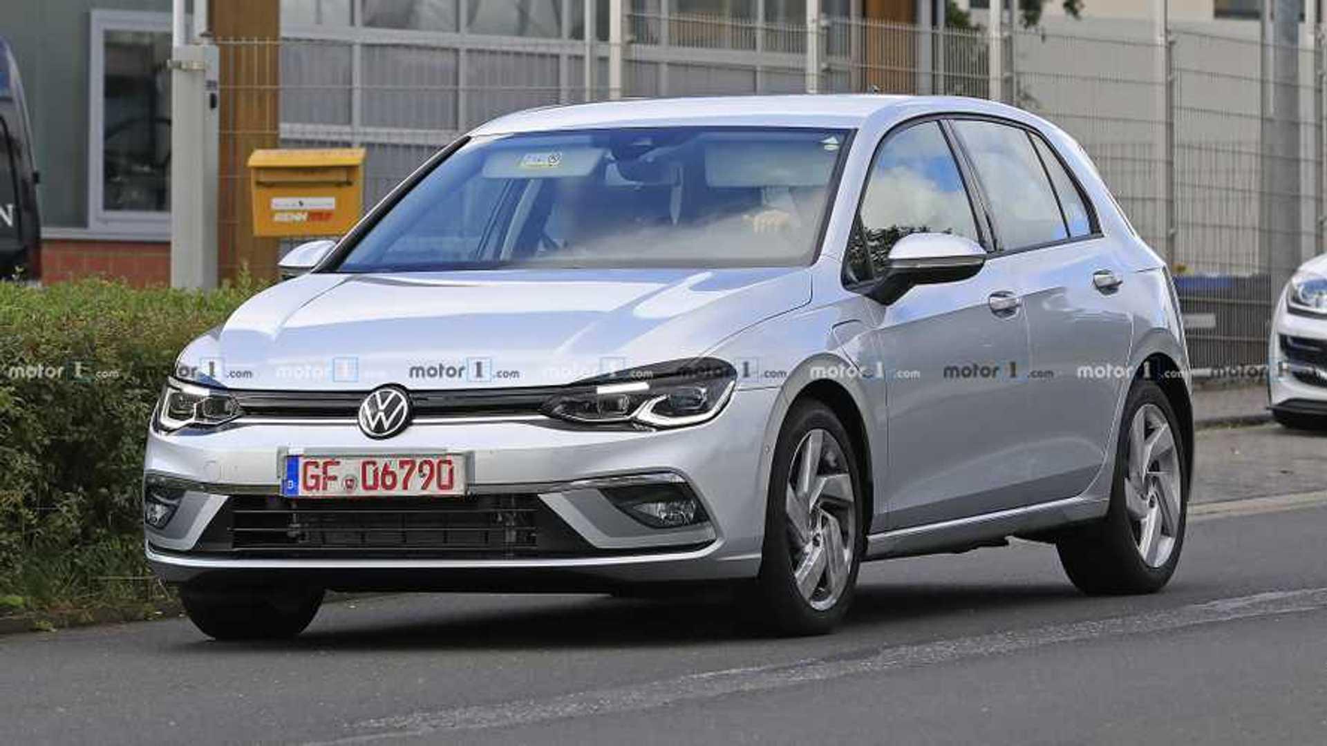 New VW Golf spied basically camo-free in GTE trim