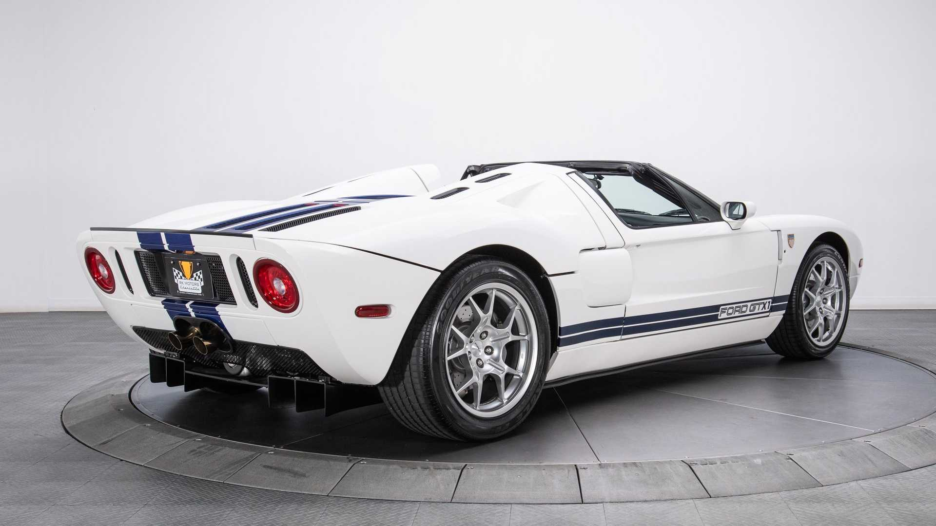 "[""Ultra-Rare 2005 Ford GT GTX1 Roadster For Sale""]"