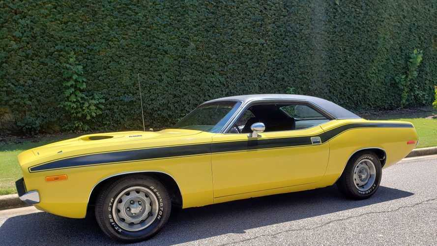 Add Twist To Your Life With A 1972 Plymouth 'Cuda
