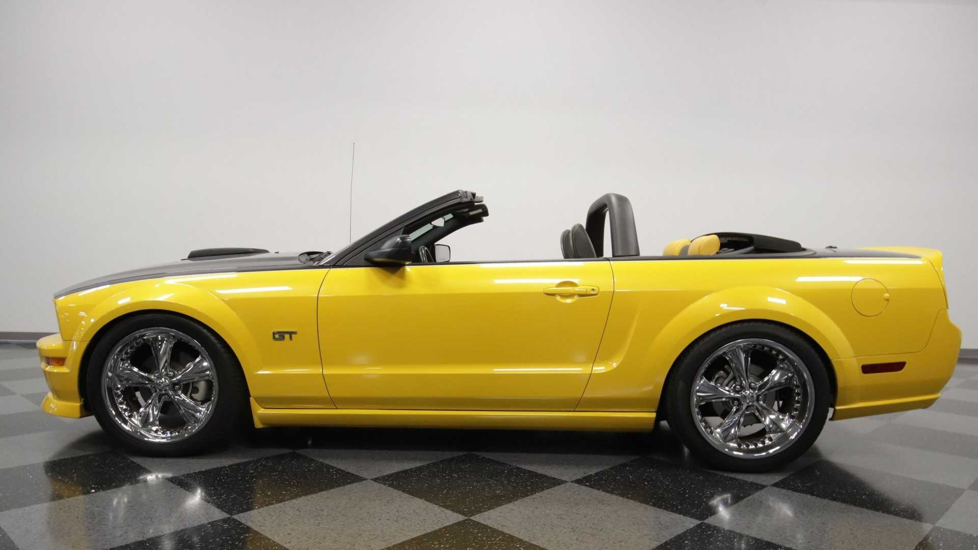 "[""Steal The Show In This 2007 Ford Mustang GT Convertible Regency""]"