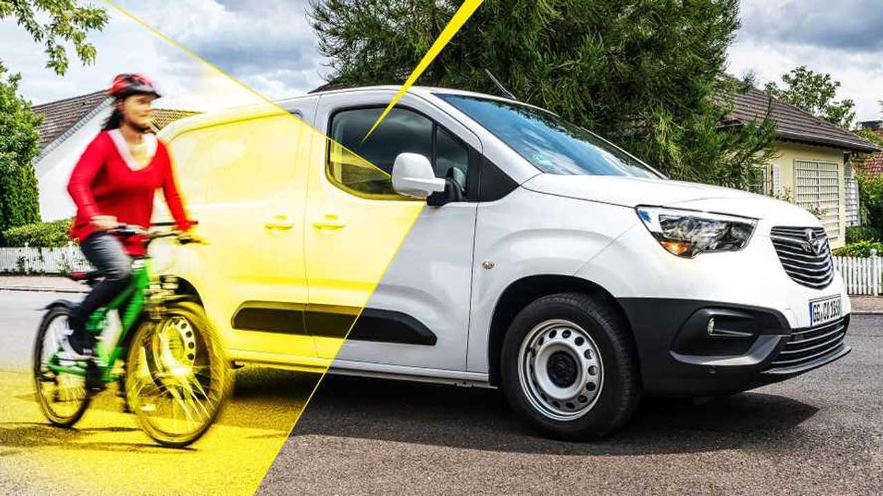 Opel Combo con Surround Rear Vision