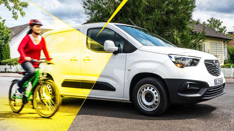 Opel Combo con Surround Rear Vision
