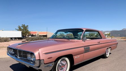 Cherry 1962 oldsmobile 98 holiday coupe needs a driver
