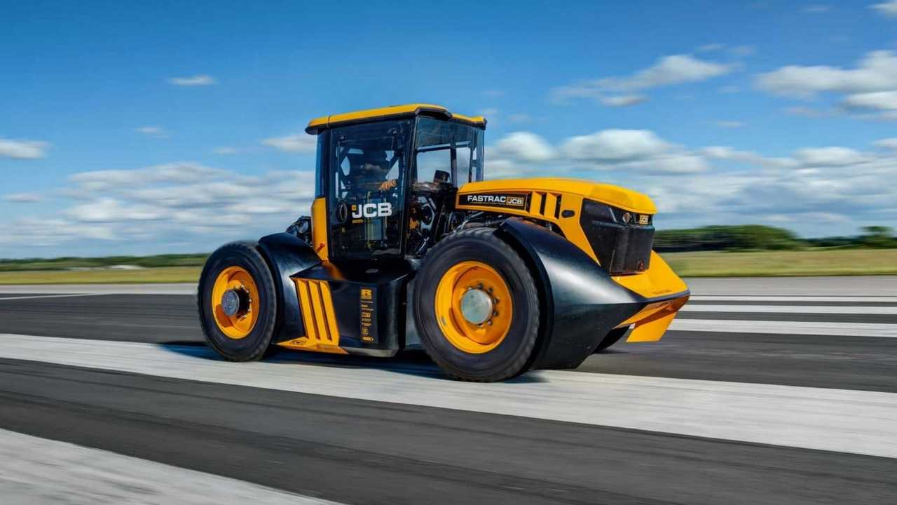 JCB tractor setting new speed record
