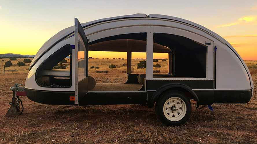 Teardrop camper with gull-wing roof is literally made of feathers
