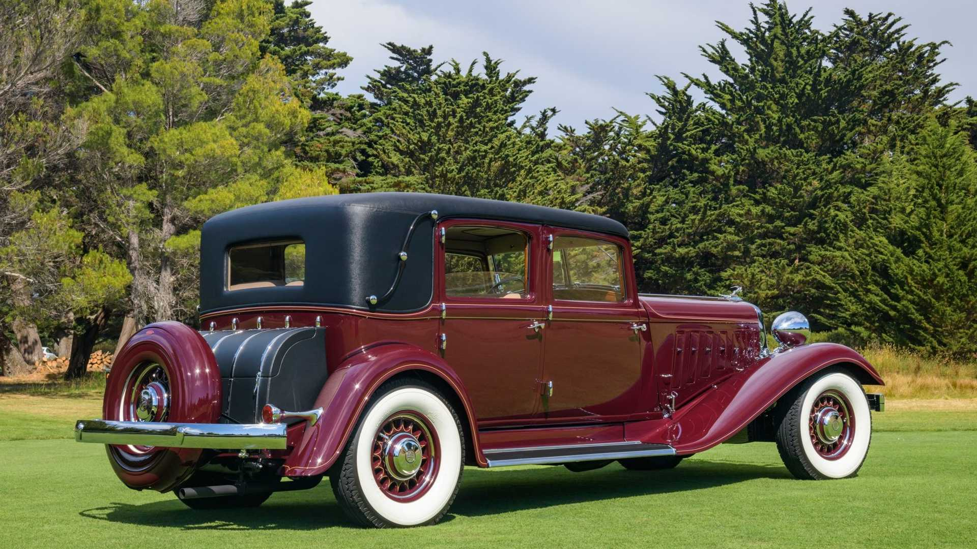 """[""""Hillsborough Concours Names 1933 Chrysler Imperial LeBaron 'Best of Show'""""]"""